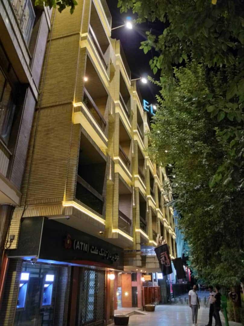 نورپردازی نمای بیرونی هتل